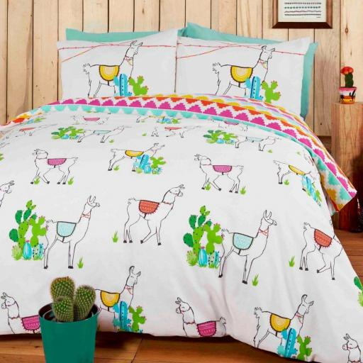 Studio Art Happy Llamas Duvet Set