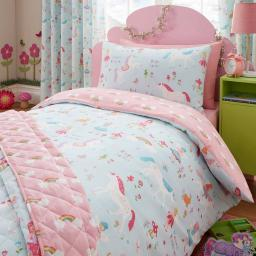 Kids Club Magical Unicorn Reversible Duvet Set